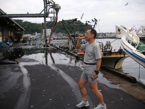輪島漁港(なに指しゃぶりしてんだか?)